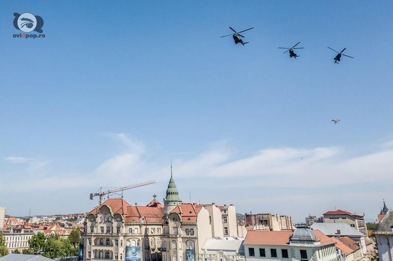 Elicoptere care survolează Oradea